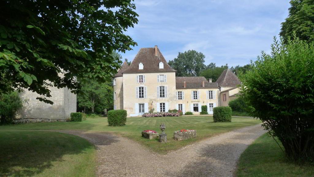 Chateau de Lamothe demeure familiale de la famille de Gironde - Ferrensac